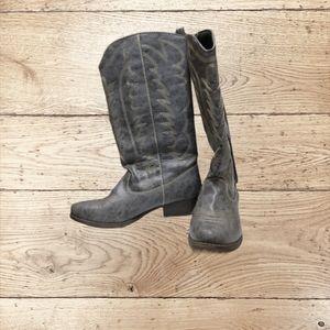 Big Buddha Women's Wyatt Cowgirl Boots, size 9